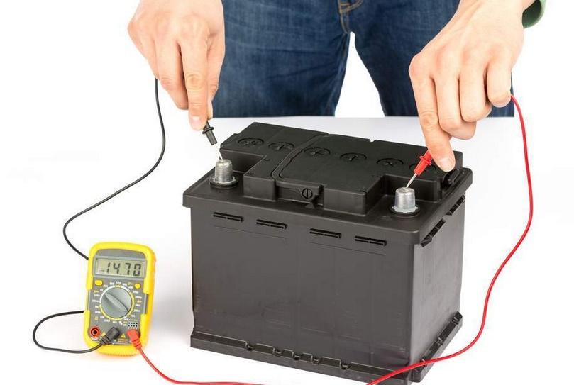 Как заряжать необслуживаемый аккумулятор самостоятельно: рекомендации специалистов