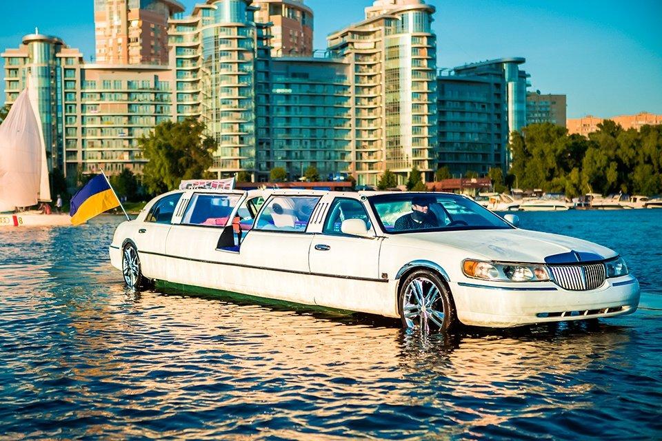 Прокат автомобилей и арендой лимузинов в Краснодаре
